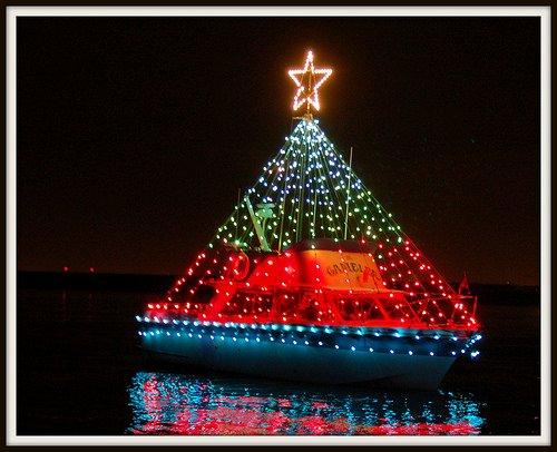 Win tickets 100 pdx pedicab portland christmas ships for Holiday craft fairs portland oregon